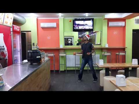 Orange Juggling - Jijo Martin