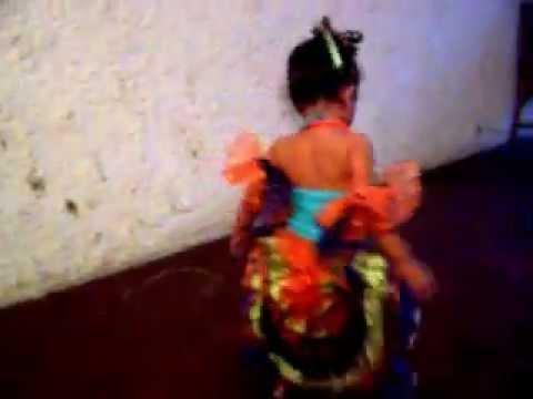 rumbera baila - YouTube