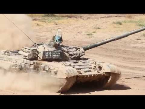 Российские танкисты поражают цели на дальностях до 2 км в горах Таджикистана.