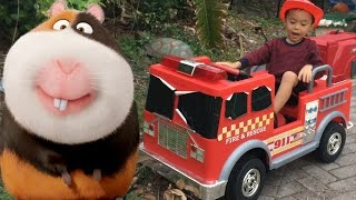 Video Red Fire Engine Truck Electric Battery Powered 12V Ride On Fireman Rescue Guinea Pig download MP3, 3GP, MP4, WEBM, AVI, FLV Oktober 2017