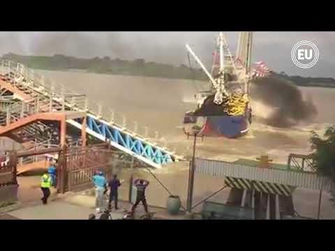 Barco choca contra puente de la Isla Santay en Guayaquil