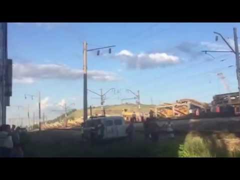 В Красноярске с рельсов сошел поезд