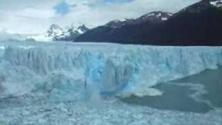 perito moreno glacier calving