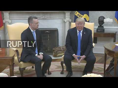 USA: Trump meets with freed pastor Brunson
