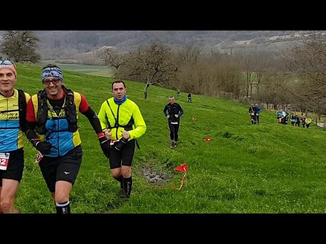 Le passage des concurrents du 21 km R Interim Tours. Alors, vous en avez pensé quoi du dénivelé ?