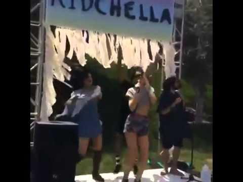Kim Kardashian A little karaoke at Kidchella
