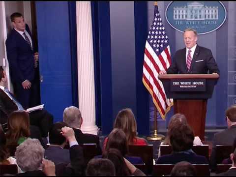 New England Patriots' Rob Gronkowski Crashes Sean Spicer's White House Press Briefing