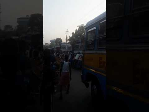 This is a traffic block heavy that alliance jute Mills jagatdal 20th March 2017 time about at 5.19pm