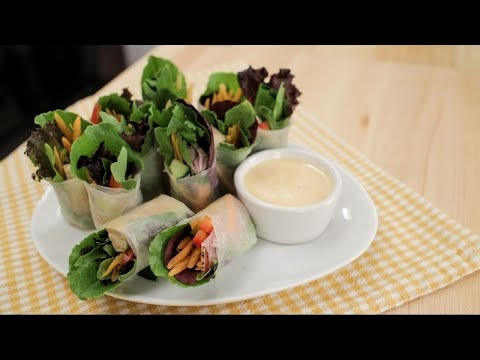 Salad Rolls w/ Spicy Garlicky Creamy Dip - Hot Thai Kitchen!