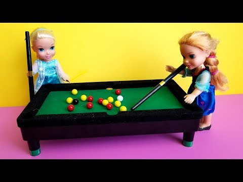 2019 New Year's party ! Elsa & Anna toddlers - pool game - karaoke singing - Barbie - dance