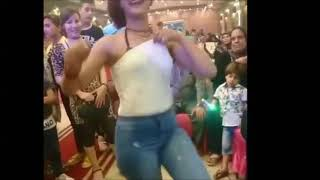 رقص بنت جامدة اوواي+18 في الشارع على مهرجان جامد اواي