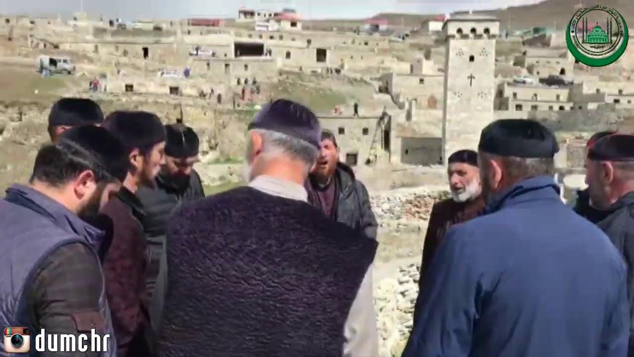 По поручению Муфтия ЧР Салаха- Хаджи Межиева на кладбище древнего селения Хой провели субботник
