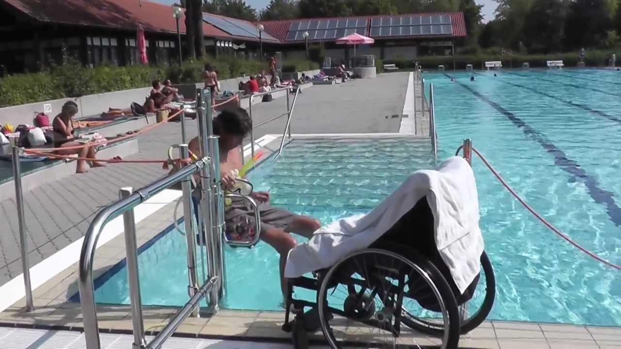 behindertengerechtes schwimmbad schwimmbad und saunen. Black Bedroom Furniture Sets. Home Design Ideas