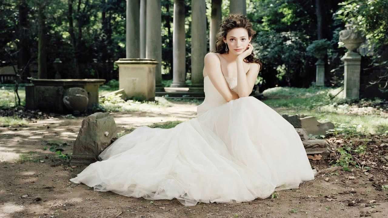 Interpretacion de suenos mujer vestida de blanco