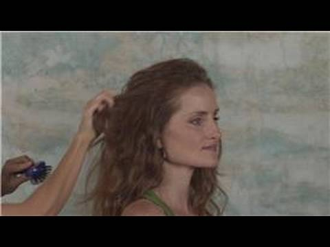 styling-hair-:-how-to-feather-hair