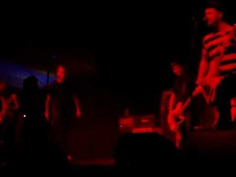 House Vs Hurricane - Haters Gonna Hate (Live Festival Hall, Melbourne 12/12/12)
