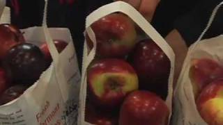 Vermont Apples From Champlain Orchards At The Burlington Farmers Market By James Valastro.mov