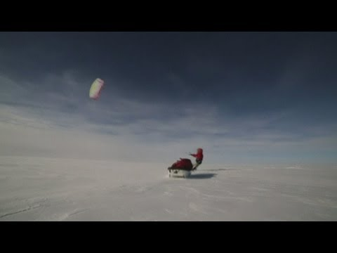 Arctic explorers use kites to speed around Greenland ice sheet