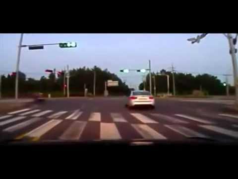 Rùng mình với tai nạn giao thông kinh hoàng-Yume TTNV