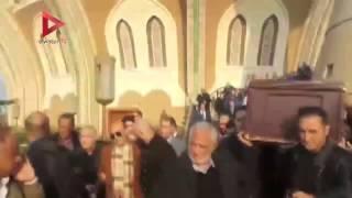 بالفيديو| تشييع جثمان زوجة الفنان محمد صبحي