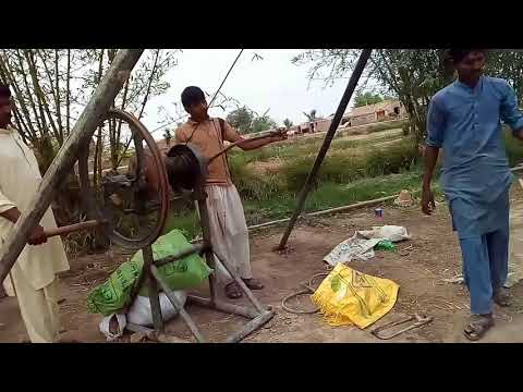Watch the Old technique of Tube Well Drilling in Urdu / Hindi / Tube Well Construction Work / Bore