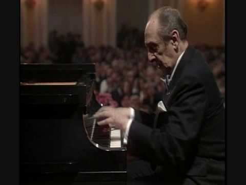 Prelude in C sharp minor- Rachmaninoff (played by Vladimir Horowitz)