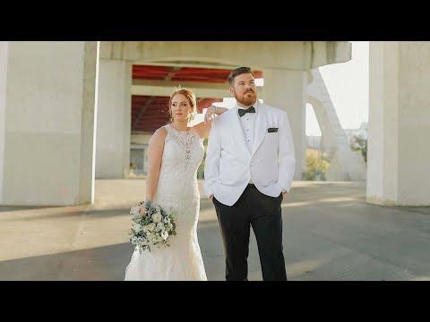 Bridge Building Wedding In Nashville, Tennessee