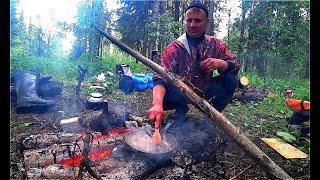 Сплав по таёжной речке. Рыбалка на хариуса. Таёжное блюдо от КУМА. Тайга.