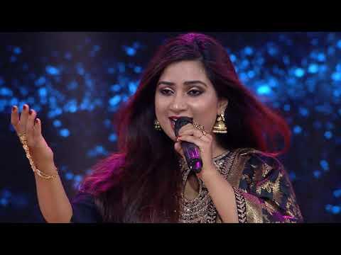 shreya-ghoshal-singing-|-adhir-man-zale-live-|-ajay-atul-|-marathi-song-|-english-subtitles