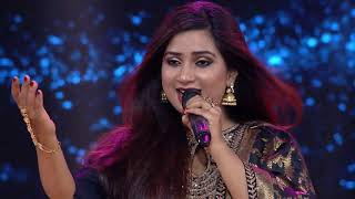 Shreya Ghoshal Singing | Adhir Man Zale Live | Ajay-Atul | Marathi Song | English Subtitles