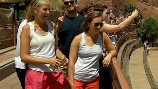 Sam Smith photobombs 7NEWS interview at Red Rocks, goes unrecognized