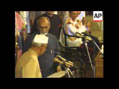 INDIA: NEW DELHI: NEW PRIME MINISTER INDER KUMAR GUJRAL IS SWORN IN