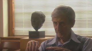 Freeman Dyson: Why General Relativity and Quantum Mechanics can