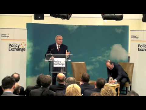 William Bratton on Fighting Crime and Disorder | 29.11.10
