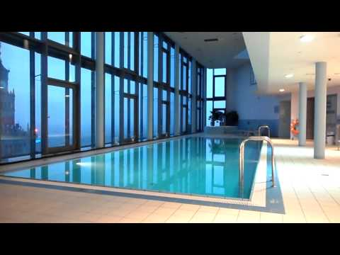Intercontinental Hotel Warsaw Poland : Swimming Pool With A VIEW! | 2bearbear.com