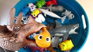Learn Animals Names with Dinosaur Zoo Sea Animal Toys Blue Tub Water Learn Colors