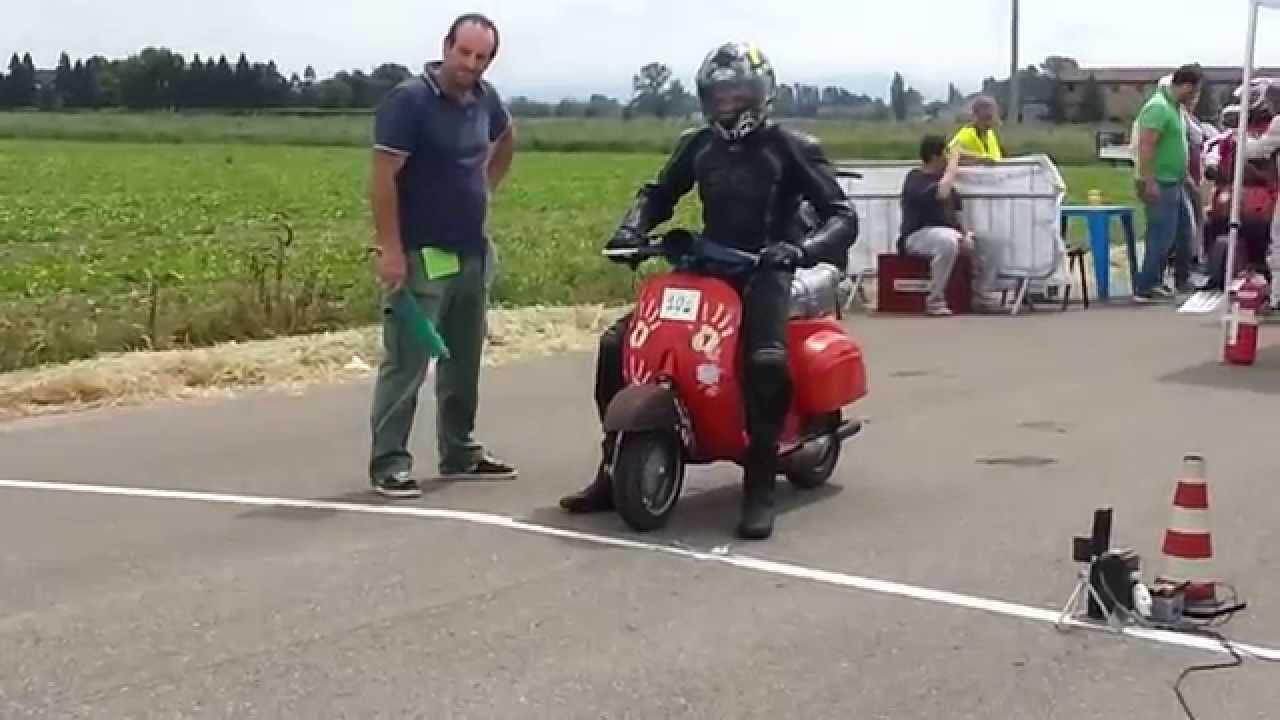 Calendario Vespa 2020.Campionato Italiano Gara Accelerazione Vespe Beneceto Pr 2014 1 Parte