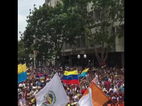 Pedro Gravata - Manifestacion en Venezuela
