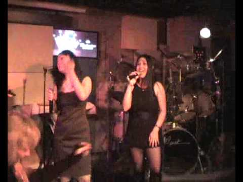 must see!!!!!!!Jacky & Tin Jamming in Luna (Sweet Child of Mine)