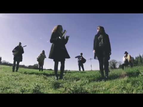 'Valse de Ribarteme', o novo videoclip dos chairegos Milesios