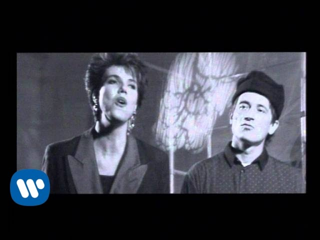 lars-hug-skibet-skal-sejle-i-nat-official-music-video-warnermusicdenmark