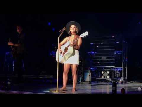 MAREN MORRIS LIVE 2017 I COULD USE A LOVE SONG