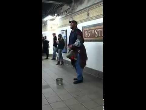 Homeless man singing Adele - Someone like You AMAZINGGG :d