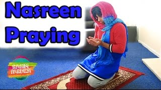 Nasreen Praying | Rahim Pardesi