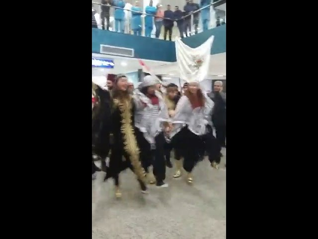 Tunisia : People Celebrate and Welcome the First Syrian Plane that enters the Country in Eight Years
