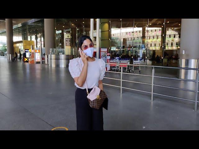 Samyuktha Menon Spotted At Airport