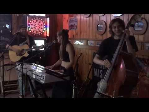 "HONEYWISE - ""Country Crazed Rebel"" Live at Bob's Bar - Prairie du Chien, WI"