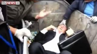 Político Ucraniano é jogado na lata de lixo [ se essa ideia vier para o Brasil, haja lixeira para protestar hein? ]