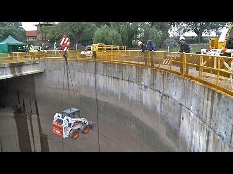 Limpieza del túnel aliviador del arroyo Maldonado