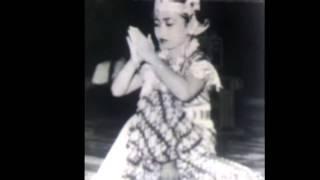 Ekslusif !! Foto Megawati Soekarno Saat Usia 8 Tahun Saat Menari Jawa